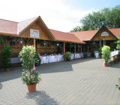 Beispiel: Außenanlage, Foto: Küffner Hof.