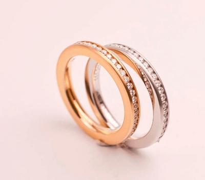 Beispiel: Hochzeitsschmuck, Foto: Galli Bijouterie.