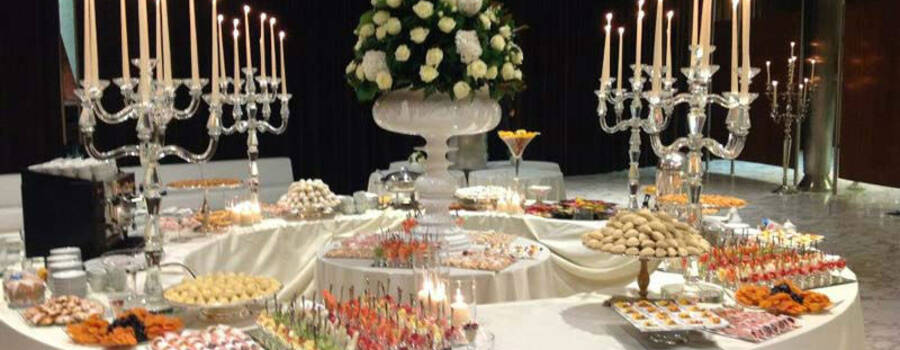 Beispiel: Hochzeitsbüffet, Foto: Mario's Catering.