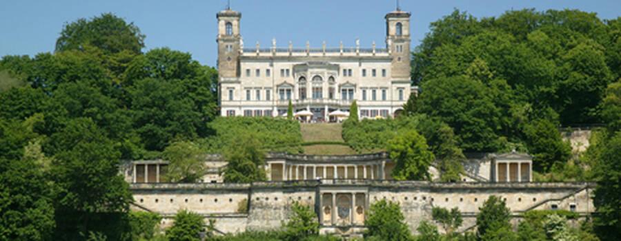 Beispiel: Vorderansicht, Foto: Schloss Albrechtsberg.