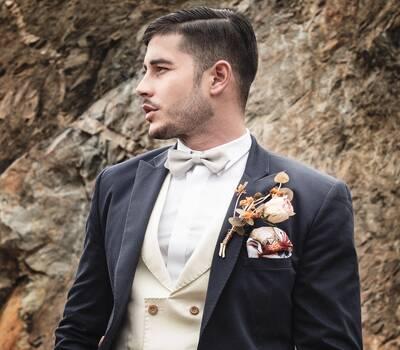 Lugó Lugó - Diseñamos trajes de novio en Medellín para príncipes azules, amarillos o bermellón porque para los gustos... ¡Los colores!