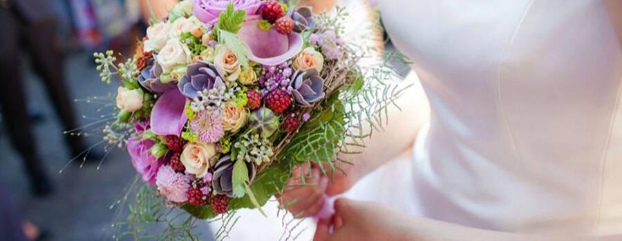 Beispiel: Wunderschöne Brautsträuße, Foto: Blattglanz.