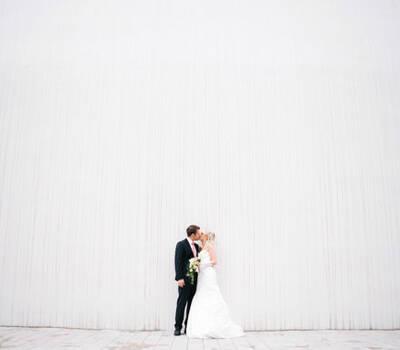 Beispiel: Portraits von Braut und Bräutigam, Foto: Romeoplusjuliet Photography.