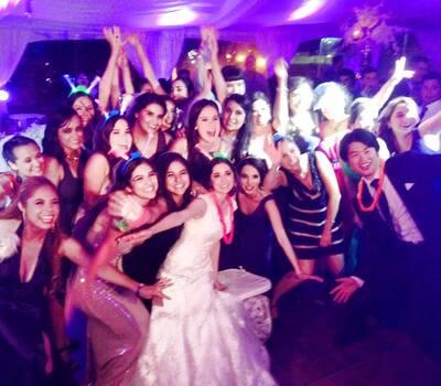 La novia y sus invitados!