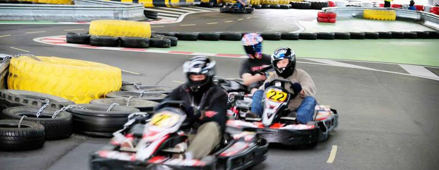 Beispiel: Spaß beim Kartfahren, Foto: Karting Expodrom.