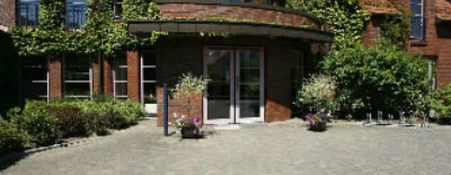 Beispiel: Außenansicht, Foto: Hotel Arte Schwerin.