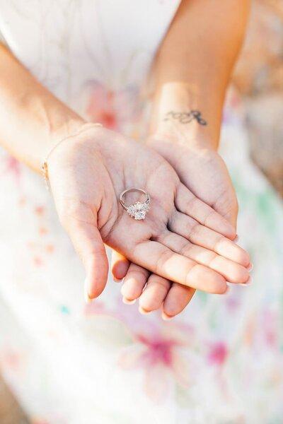 """Foto: Efeito Espontâneo """"Selar o amor: 7 curiosidades sobre o anel de noivado"""""""