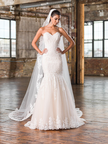 Style 9826, Justin Alexander Signature.
