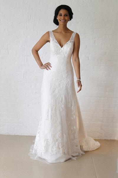 Suknia ślubna autorstwa DAVID'S BRIDAL 2013