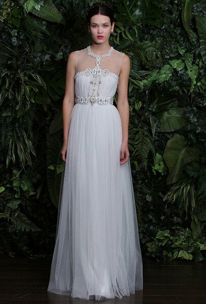 Suknia ślubna zdobiona biżuterią, Foto: NAEEM KHAN 2014
