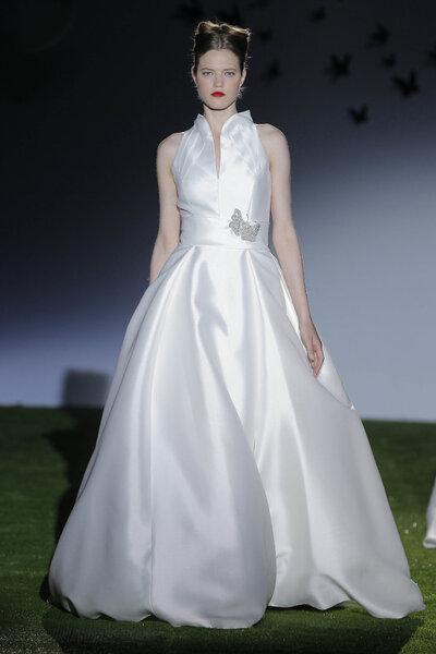 Collection de robes de mariée Miquel Suay 2014. Photo: Barcelona Bridal Week / Ugo Cámara.