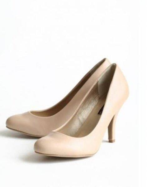 Sapato vintage nude para noivas da Coleção Ruche Foto: Coleção Ruche