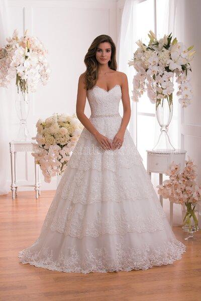 A-Linien-Brautkleid aus feiner Spitze – Foto: Jasmine Bridal.