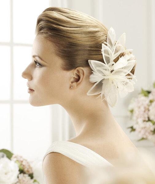 Quiero usar flores cuales les gusta foro belleza for Tocados elegantes para bodas
