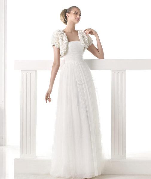 Hochzeitskleid MICHIGAN. Foto: Pronovias 2015