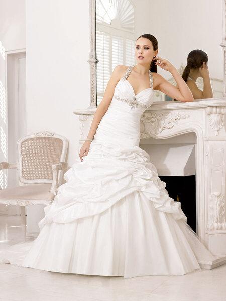 Abiti sposa 2013 Divina Sposa. Foto:www.thesposagroup.com