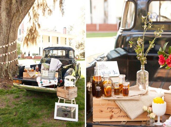 Adapta todo tipo de mobiliario para montar tu barra de bebidas - Foto: Ashley Daniell Photography