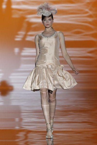 Vestidos de fiesta primavera 2015 de Carla Ruiz