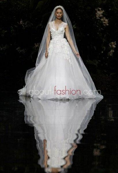 La nuova collezione Elie Saab for Pronovias 2013 Foto:  www.all-about-fashion.com