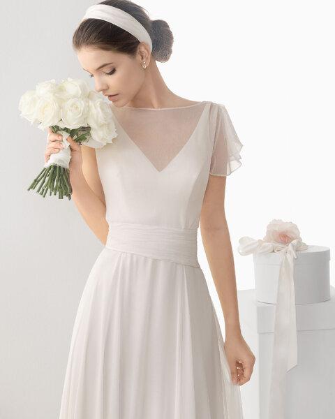 Bukiet ślubny z białych róż. Źródło: Rosa Clara 2014