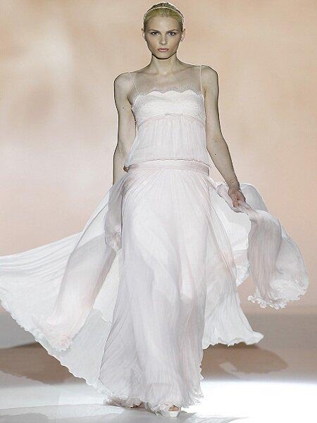 Foto: Vestido de noiva de Rosa Clará 2013. Barcelona Bridal Week