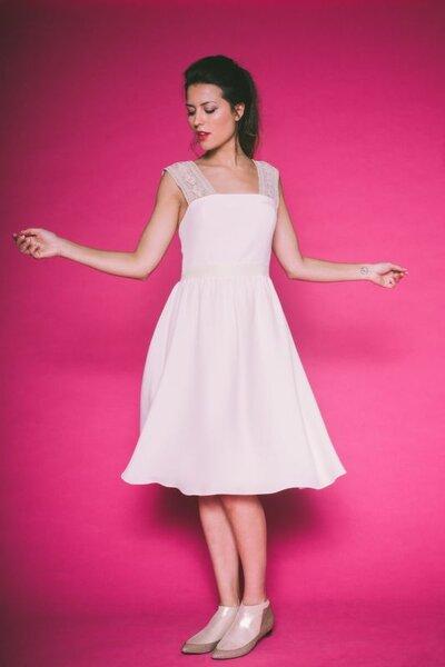 robes de mari e courtes 2016 montrez vos gambettes le jour j. Black Bedroom Furniture Sets. Home Design Ideas