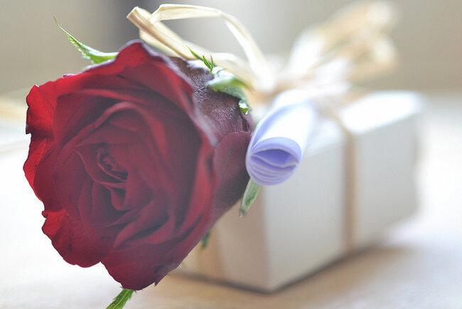 9 wyjątkowych prezentów na Walentynki