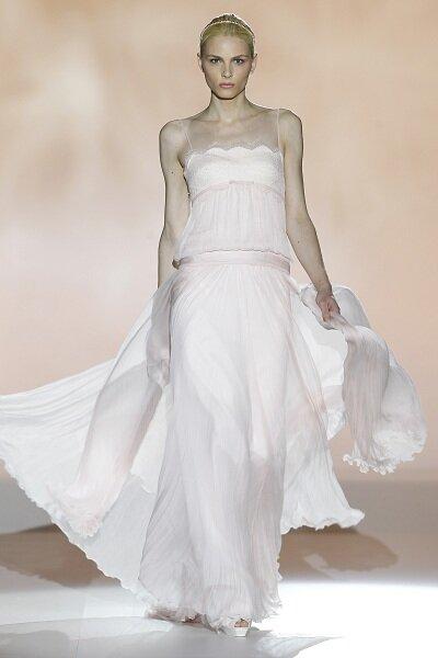 Colecção de vestidos de noiva Rosa Clará 2013