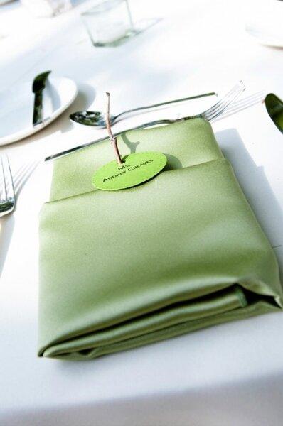 Décoration de table verte et blanche