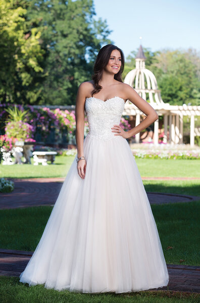 Style 3919, Sincerity Bridal.