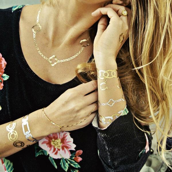 Tatuaże - imitacja bransoletek, Foto: Flash Tattoos