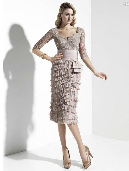 Vestido corto para la mamá de la novia