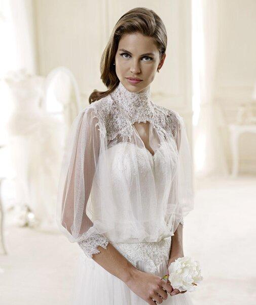 Свадебное платье с америанской проймой и кружевом