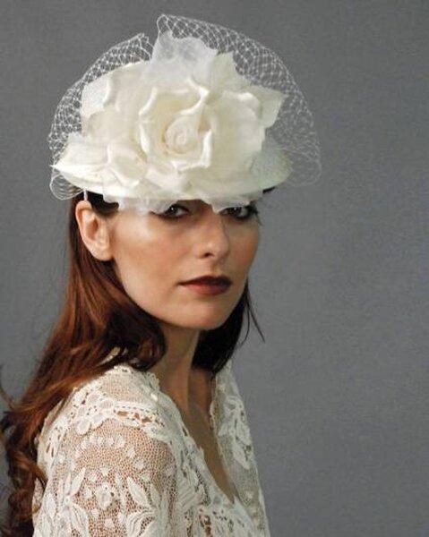 Sombreros para novias de Louise Green Millinerry