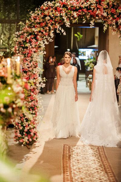 Vestidos de noiva La Vita para Bem Casados 2014 - Foto: Oswaldo Marra e Jane Magalhães