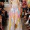 Robe Emilio Pucci 2015 très vaporeuse avec des touches florales.