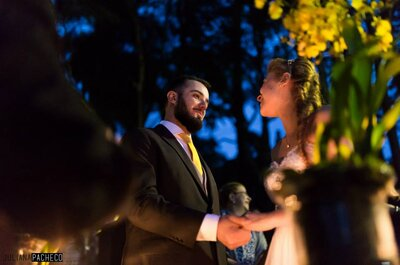 Palloma & Mark: casamento DIY em São Paulo com decoração amarela