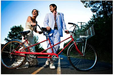 Amor en ruedas: Fotos de boda en bicicletas