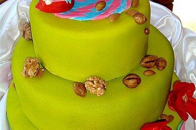 Entérate de cómo se diseña una torta de novios