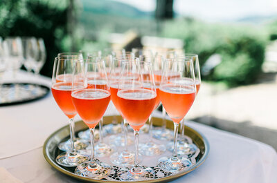 Cocktailtrends 2017 für Ihre Hochzeit – Echte Profis verraten Ihnen die beliebtesten Drinks.