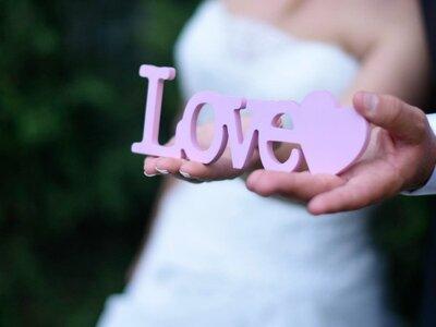 Leggero come una piuma di pavone: ecco il matrimonio di Assunta e Michele