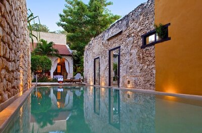 Hacienda Puerta Campeche, a luxury hotel in Mexico, filled with color for your wedding