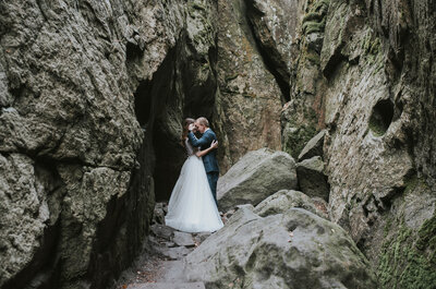 Sesja ślubna na Szczelincu to fantastyczna górska dawka adrenaliny i inspiracji!