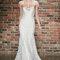 Odważna suknia ślubna z bogatym zdobieniem, Foto: HAYLEY PAIGE 2014