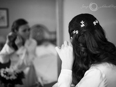 Der schönste Brauthaarschmuck für dunkles Haar