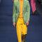 Traje de chaqueta en verde y amarillo.