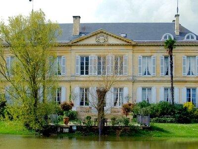 Un lieu exceptionnel et confidentiel vous attend aux portes de Bordeaux : le Château Peyronnet
