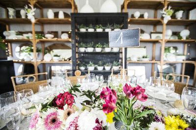 Und wie regeln wir die Sitzordnung bei der Hochzeit? Wir geben Ihnen Tipps, die Gold wert sind!