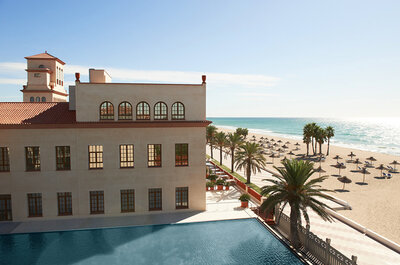 Celebra una boda 5 estrellas a pie de playa en Le Meridién Ra Beach Hotel & Spa