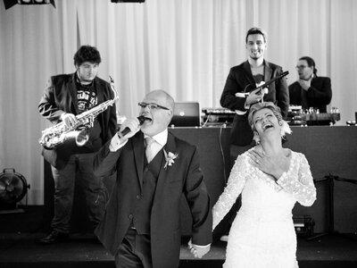 Casamento impecável e lindo de Margareth & Ricardo: alegria contagiante e amor sem fim!